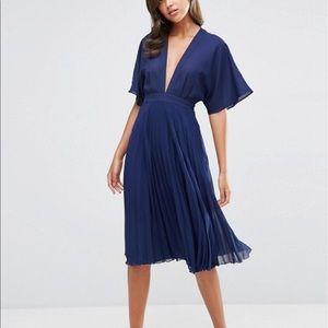 NWT ASOS Kimono Sleeve Deep V Pleated Midi Dress